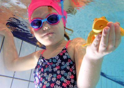 Lekcja pływania z instruktorem